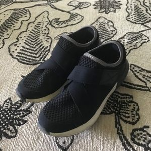 Zara  Black Velcro Sneakers
